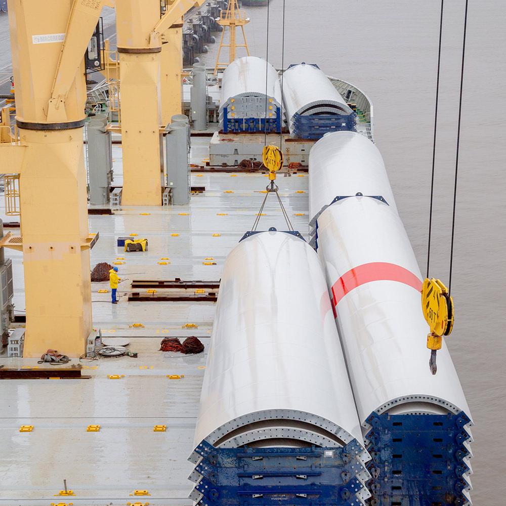 Marlow Navigation Video Dokumentation - Eurogate Bremerhaven - Vestas Verladung - Luftbild