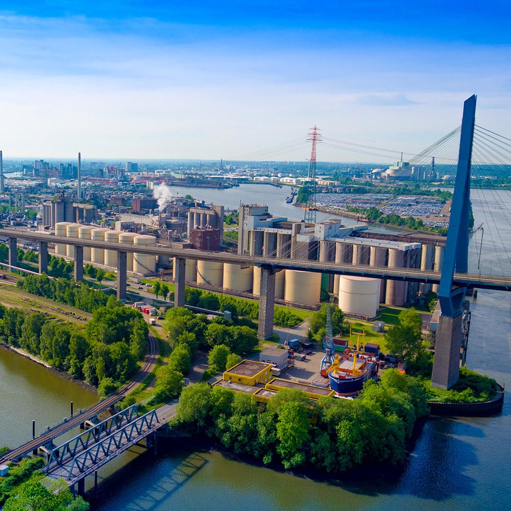 Projekt Köhlbrandbrücke Hamburg Luftbild - Baudokumentation Fahrbahn